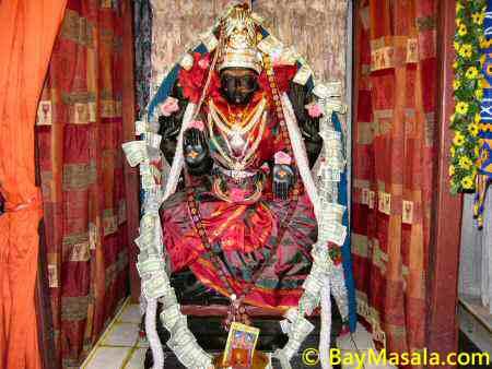 bhuvaneswari amman in Lakshmi Ganapati Temple © BayMasala.com