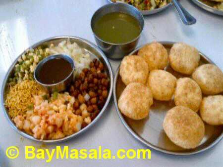 chaat bhavan paani puri  - Image © baymasala.com